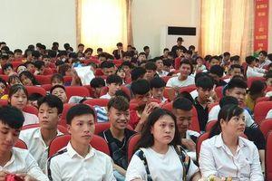 Tân sinh viên Trường CĐ nghề Công nghệ cao Hà Nội háo hức với tuần sinh hoạt chính trị đầu tiên