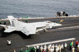 Thủy thủ tàu sân bay Mỹ bất ngờ mất tích trong vùng Vịnh