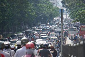 Thu phí ô tô vào trung tâm TP.HCM: Xe nước ngoài có thể dùng vé tạm?