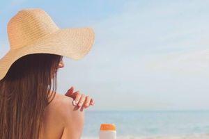 Tắm nắng đúng cách có lợi cho làn da