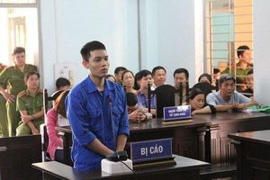 Cựu thiếu úy cảnh sát khai lý do tạt a xít vợ sắp cưới