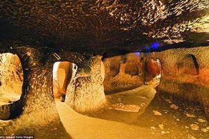 Bất ngờ phát hiện thành phố ngầm nghìn tuổi khi sửa nhà