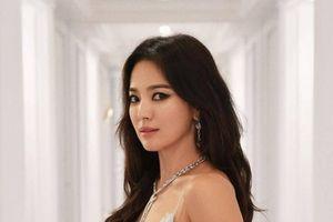 Song Hye Kyo: 'Định mệnh đến thì cứ đến'