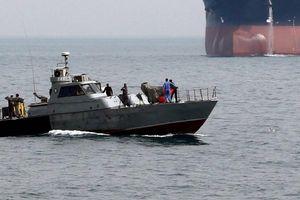 Iran bắt giữ tàu chở dầu nước ngoài trên Vịnh Ba Tư