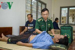 Cứu sống 4 ngư dân Thái Lan bị nạn trên biển Côn Đảo