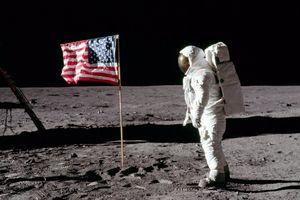 Sứ mệnh tàu Apollo 11 và cuộc đổ bộ lịch sử lên Mặt Trăng 50 năm trước