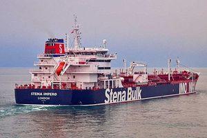 Căng thẳng đỉnh điểm: Iran chặn hai tàu chở dầu Anh, bắt giữ một tàu