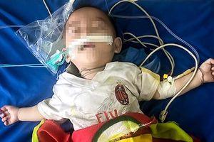 Bé 12 tháng tuổi nguy kịch vì chữa tiêu chảy bằng thuốc phiện