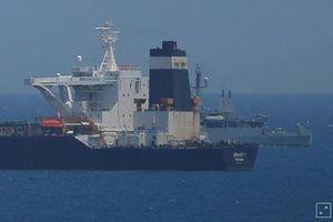 Gibraltar tạm giữ tàu chở dầu Iran thêm 30 ngày