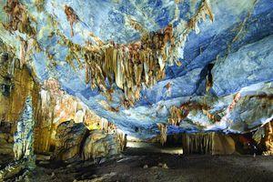 Động Thiên đường là hang động tráng lệ nhất châu Á