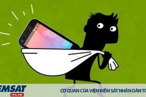 Nhầm dép ở nhà bạn…rồi lấy luôn điện thoại của bạn
