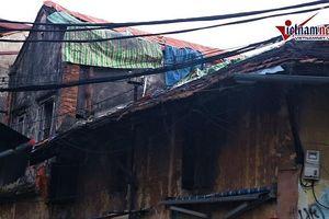 Dãy nhà 'chờ sập' ở phố Đông Thái, Hà Nội