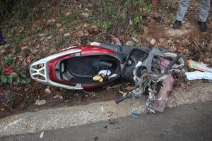 Quảng Nam: Xe taxi tông xe máy, hai cô cháu tử vong