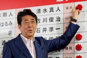 TT Abe thắng đa số ở Thượng viện, nhưng chưa đủ để sửa Hiến pháp
