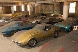 Đấu giá bộ sưu tập xe Chevrolet Corvette phủ bụi 25 năm