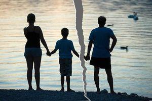 5 lí do trẻ hạnh phúc hơn khi bố mẹ ly hôn thay vì cố duy trì mối quan hệ rạn nứt