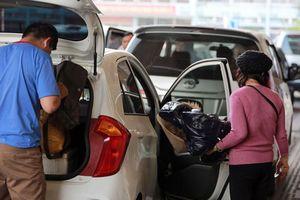 Thủ tướng yêu cầu hủy quy định gắn hộp đèn trên nóc xe công nghệ
