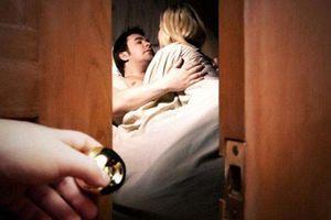 Cú ra đòn của cô bồ khiến người chồng thức tỉnh