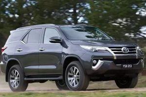 Mua SUV 7 chỗ, chọn Toyota Fortuner hay tân binh Mazda CX-8?