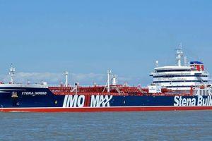 Tiết lộ đoạn băng ghi âm mới: Hải quân Anh không bảo vệ nổi tàu chở dầu?