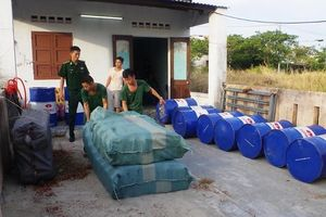 Biên phòng Đà Nẵng bắt cơ sở sản xuất nhớt giả hiệu Castrol