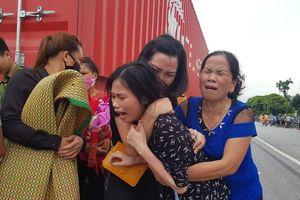 Bàng hoàng đại tang trong vụ tai nạn giao thông liên hoàn ở Hải Dương