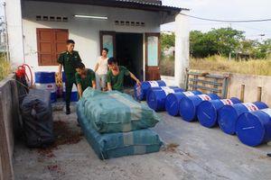 Biên phòng Đà Nẵng xóa 'ổ' sản xuất dầu nhớt giả