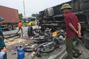 Kinh hoàng xe tải lật đổ làm 5 người tử vong tại Hải Dương