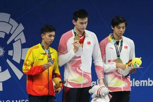 Kình ngư Huy Hoàng giành vé chính thức đầu tiên dự Olympic Tokyo 2020