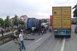 Khắc phục hậu quả tai nạn giao thông nghiêm trọng tại Hải Dương