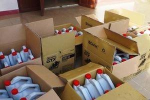 Phát hiện cơ sở sản xuất dầu nhớt giả nhãn hiệu Castrol