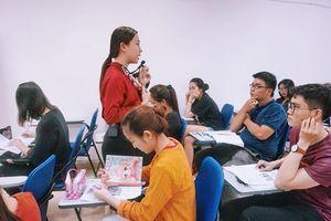Ứng dụng công nghệ trong giảng dạy tiếng Anh, giảm áp lực giáo viên