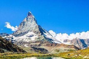 Ngọn núi đẹp nhất thế giới Matterhorn bắt đầu nứt vỡ vì tan băng
