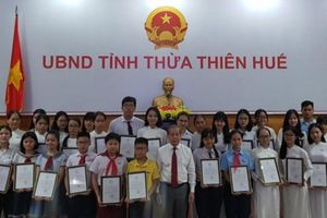 TT-Huế: Khen thưởng học sinh để tạo động lực cho ngành giáo dục
