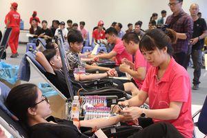 Hàng vạn người dân tham gia hiến máu Hành trình Đỏ 2019
