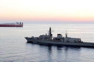 Anh điều tàu chiến đến Vùng Vịnh hộ tống tàu chở dầu
