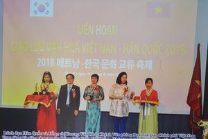 Đồng thầy Trần Thị Thắm – Người miệt mài bảo tồn tín ngưỡng Việt Nam