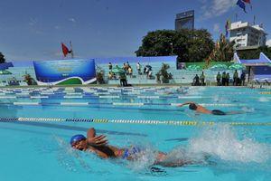 Hơn 600 vận động viên tranh tài giải bơi 'Đường đua xanh'