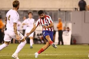 Zidane bị CĐV Real xua đuổi sau trận thua tủi hổ trước Atletico