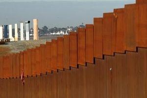 Ông Trump nhận thêm tiền cho bức tường biên giới với Mexico