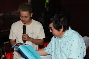 Hoài Lâm chăm chú tập kịch bản 'Lan và Điệp' cùng nghệ sĩ Chí Tâm