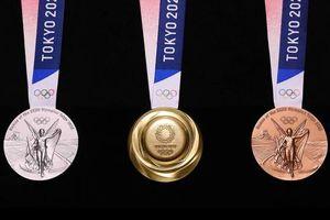 Không thể tin những chiếc huy chương Olympic này được làm từ... rác