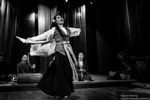 Nhà văn hóa Hữu Ngọc: Shakespeare và Brecht trong tuồng và chèo (ii)
