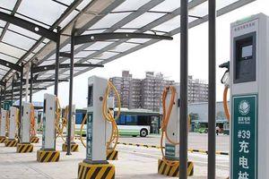 Trung Quốc dựng hơn 1 triệu cột sạc điện cho ô tô