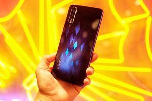 Điện thoại Vivo S1 ra mắt: selfie 32 MP, giá 7 triệu dễ mua
