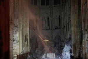 Có nên vội vã xây lại nhà thờ đức bà Paris?