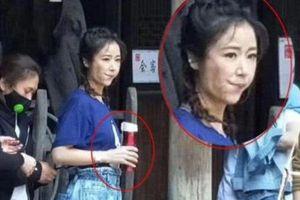 Lâm Tâm Như bị chế giễu, mỉa mai khi 43 tuổi còn cưa sừng làm nghé, buộc tóc hai bên