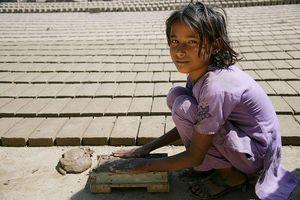 Australia đẩy mạnh chống bóc lột trẻ em