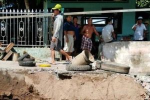 Sóc Trăng: Đê bao chống lũ bị sạt lở, đe dọa hơn 1000 hộ dân