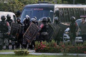 Bạo lực bùng phát trong nhà tù Brazil khiến 57 người thiệt mạng